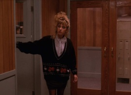 twin-peaks-sweaters-s2-ep13-lucy.nocrop.w1800.h1330.2x